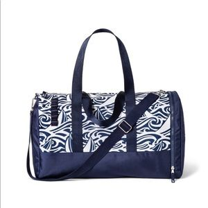 Vineyard Vines Bags - VV for Target Navy and White Rough Seas Duffel Bag